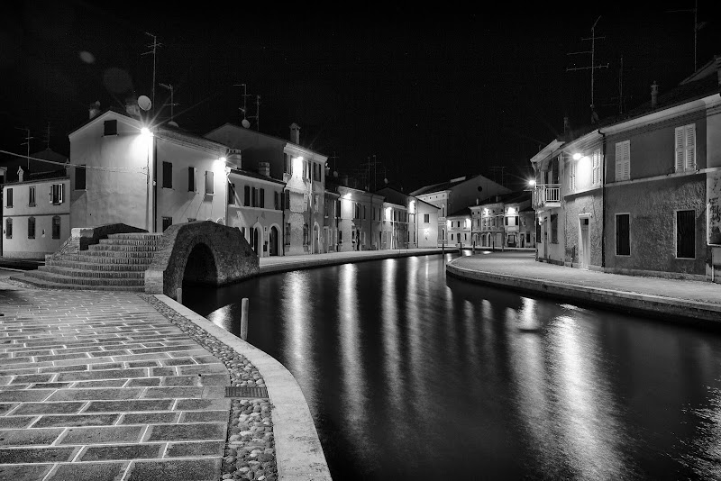 Comacchio by night di Francesco Romano