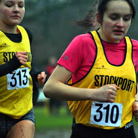 Lead   from  behind by Gordon Simpson - Sports & Fitness Running