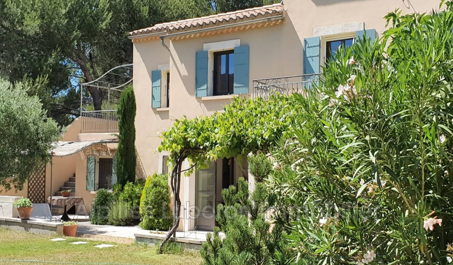 Villa with pool and terrace Eygalières