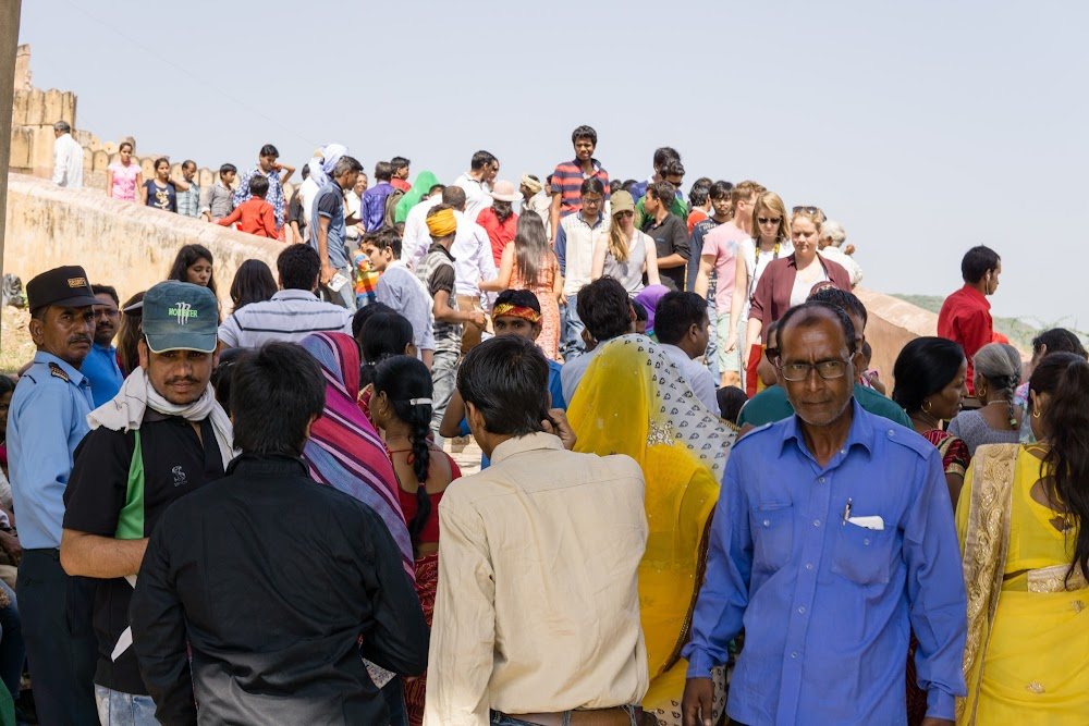 Crowd on the way to the Amber Fort