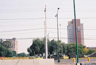 Photo: 1B080009 Meksyk - Ciudad de Mexico - Uniwersytet i Biblioteka z imponującą mozaiką