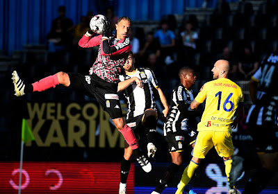 Gedoe rond truitjes Charleroi - Anderlecht? Wat dan gezegd van de keeperstrui? Penneteau reageerde gevat