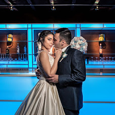 Wedding photographer Rafa Martell (fotoalpunto). Photo of 09.04.2018