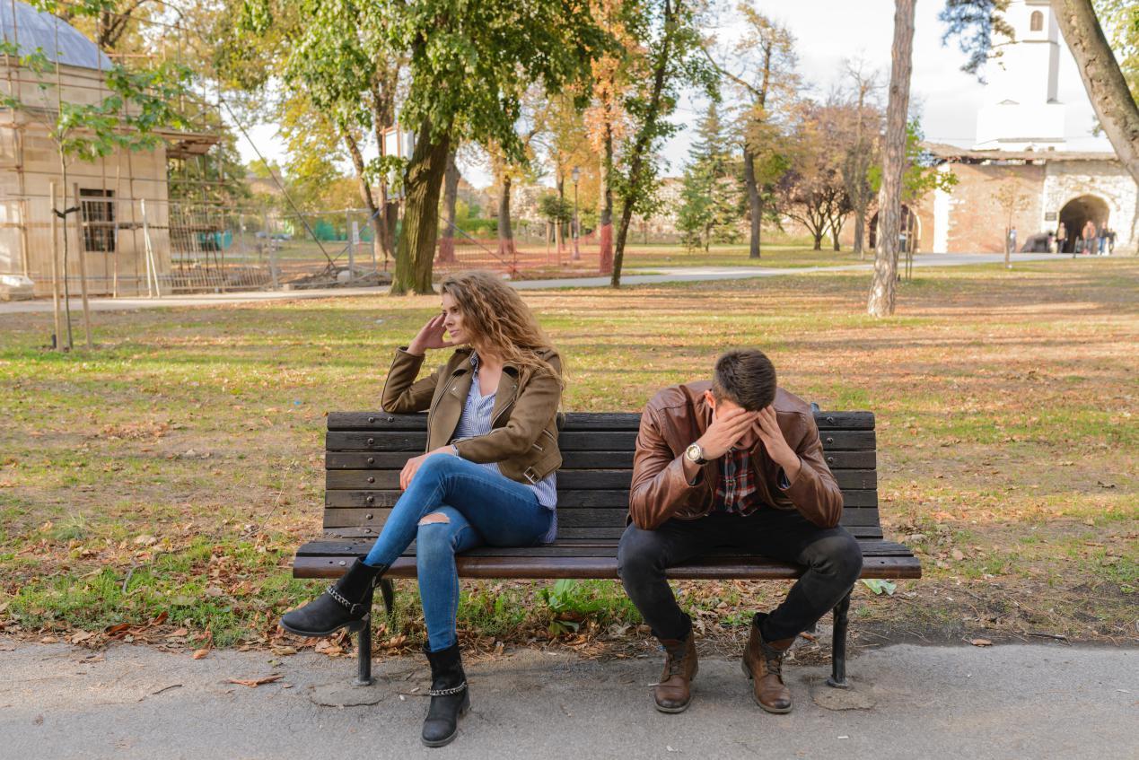 argument-bench-breakup-984949