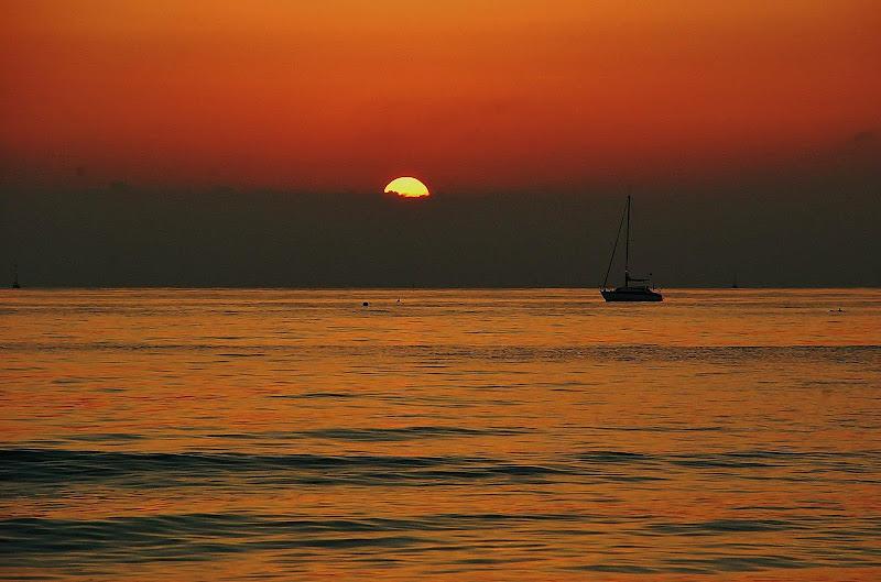 Barca al tramonto di alessandro_menna