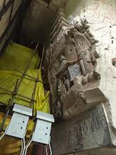 Photo: 修繕中を横から覗き見てしまった。