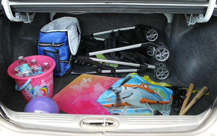 Always keep a kite in your trunk - just in case!