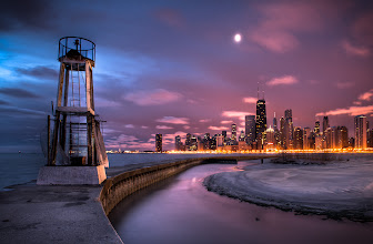 Photo: Chicago from North Beach Pier.