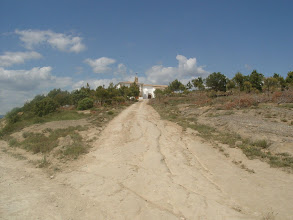 Photo: Cruce del camino del cementerio con la subida a la ermita - © Rubén Asín Abió