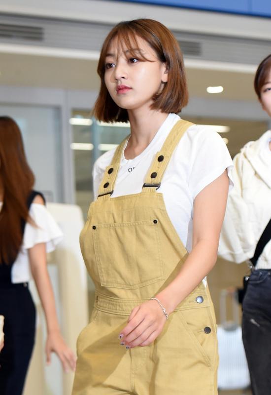 190725_Twice_Jihyo_Fashion_-_Incheon_airport-3