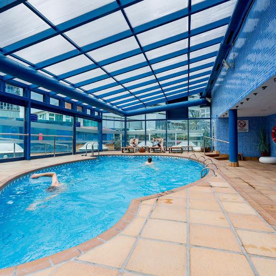 Indoor pool / Outdoor pool