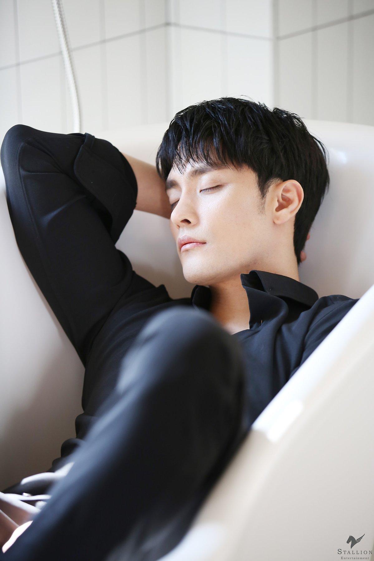 sunghoon2