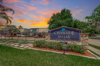 Go to Creekside Villas at Clear Lake Apartments website