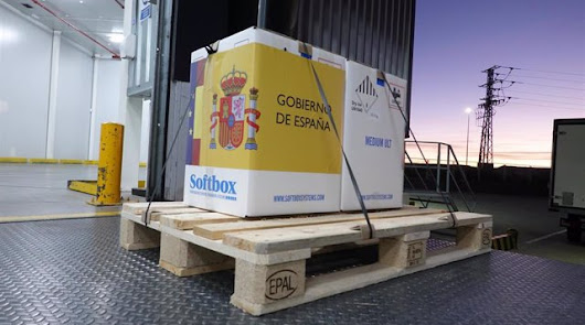 Llegan a España las primeras dosis de la vacuna contra la covid