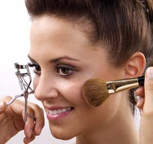 Por que se maquiar