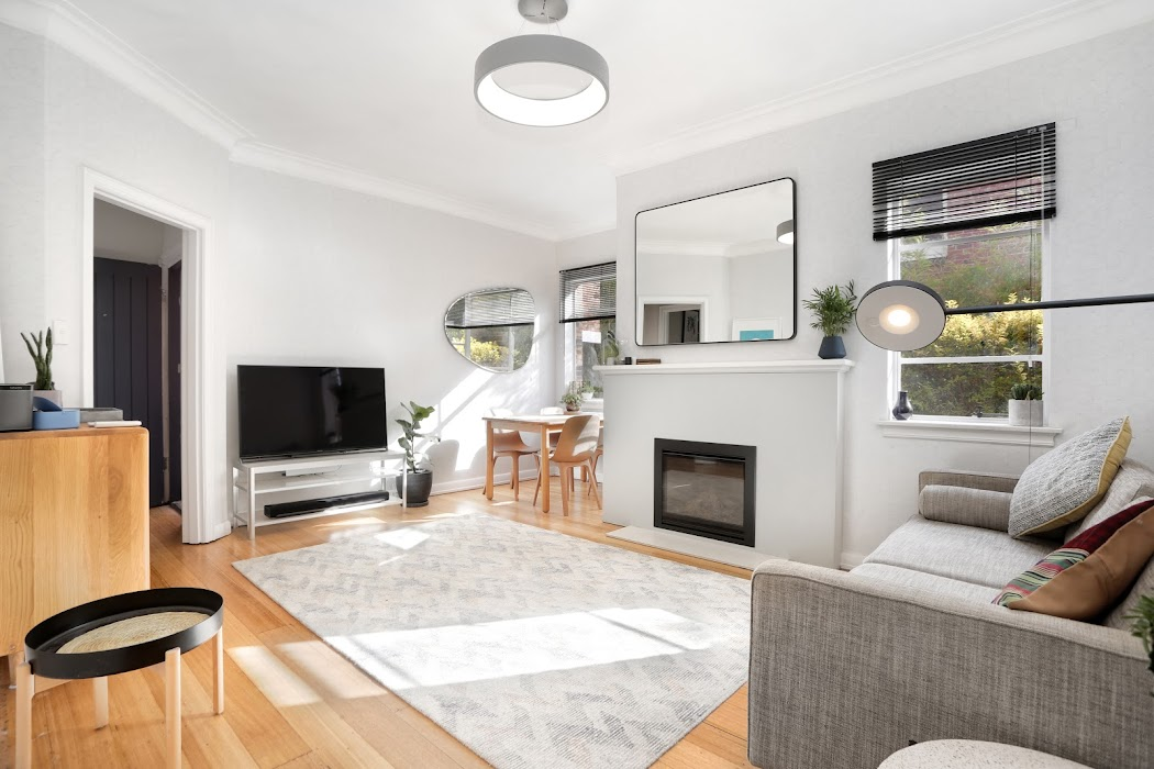 Main photo of property at 1/3 Robertson Avenue, St Kilda 3182
