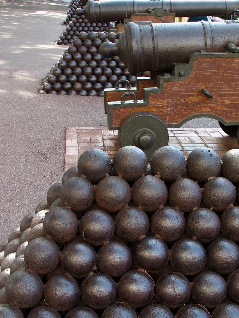 Palle e cannone di Giorgio Lucca