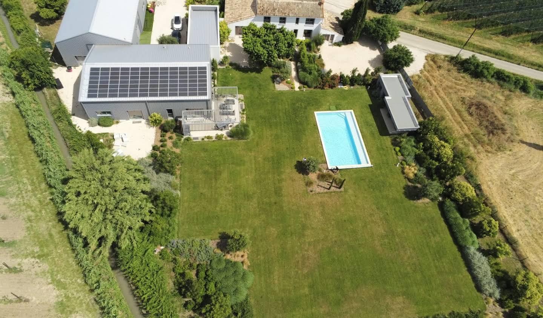 Maison avec piscine et terrasse L'Isle-sur-la-Sorgue