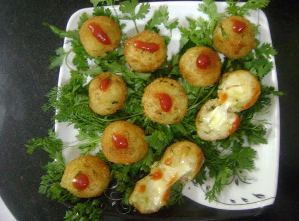 Crispy Cheese Stuffed Potato Balls Recipe