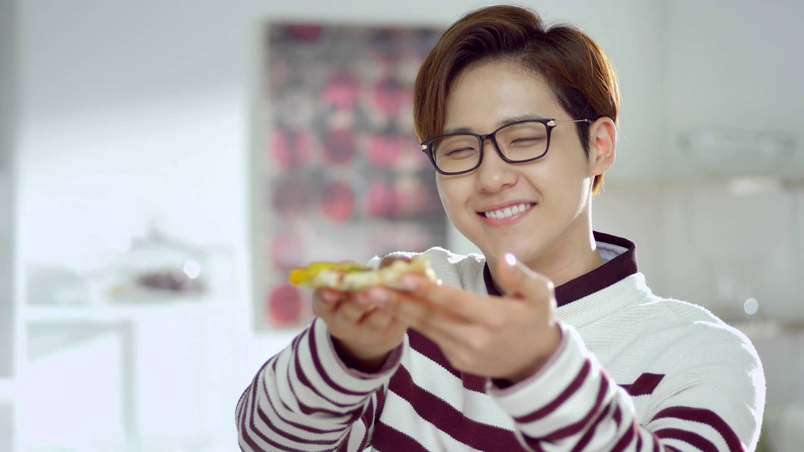 102391021447 CNU isn t afraid to wear his glasses and has worn them in a number of  B1A4 s music videos and promotion sequences. He definitely knows he looks  good with ...