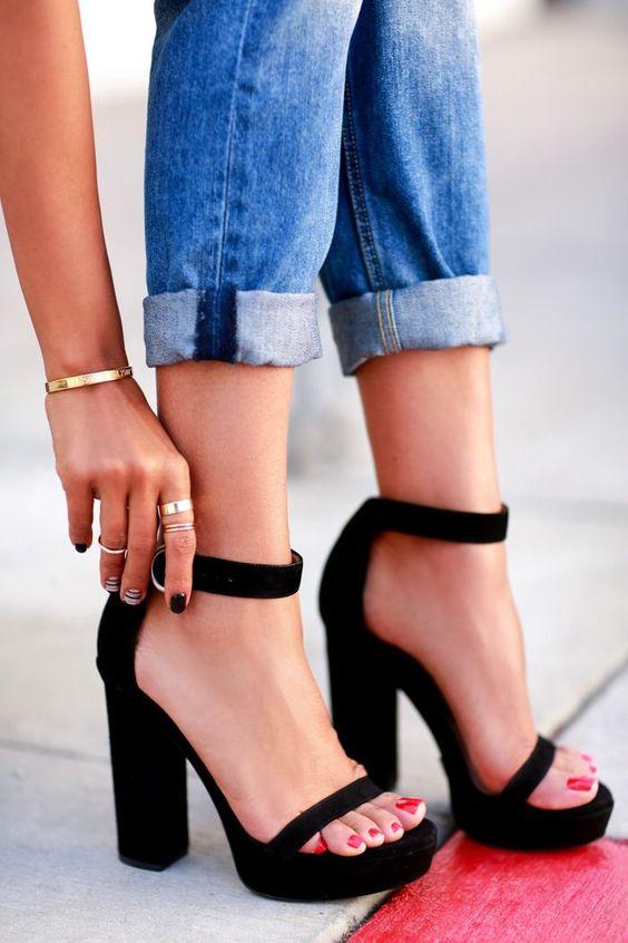 platform-heels-types-of-heels_image