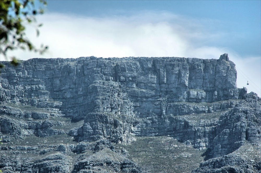 Four hikers rescued from Table Mountain - TimesLIVE