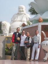 Photo: Thầy Phước, thầy Lộ và hai bạn
