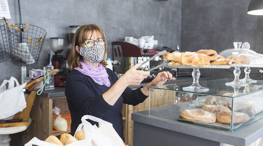 El comercio local da vida a la provincia de Almería