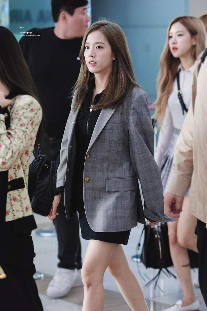 jisoo plaid 27