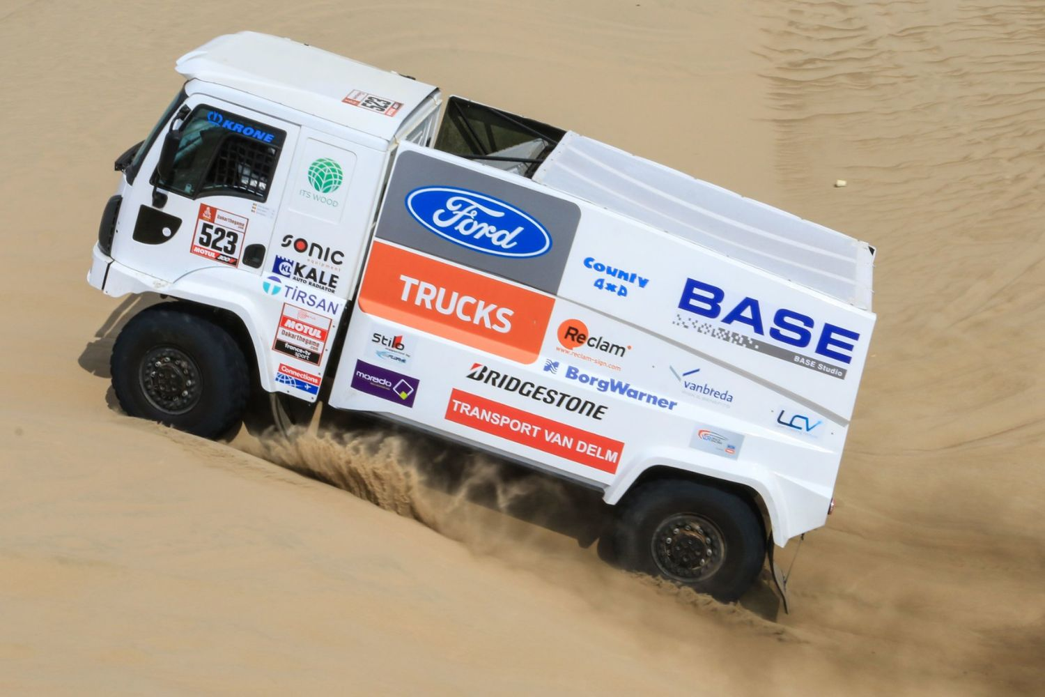Dakar 2019. LCV supports performance in though conditions