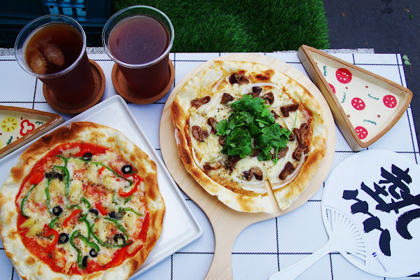 Copoka PIZZA 家庭式手工窯烤披薩,台北永康街美食,近東門站,平價,文青風,IG打卡,大推大腸麵線披薩,外帶