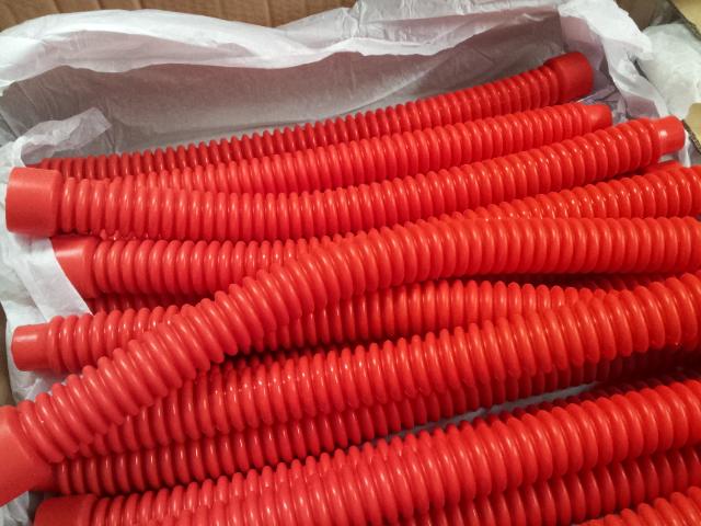 argonaut Kraken red hoses.jpg