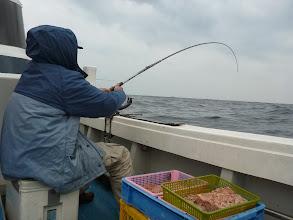 Photo: クマガイさんも! ・・・海の中に引っ張り込まれない様に。