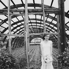 Wedding photographer Katya Nikolaeva (katenikolaeva). Photo of 17.04.2015