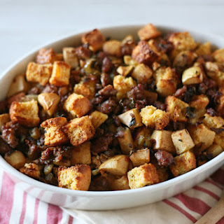 Cornbread Dressing with Sausage and Apples