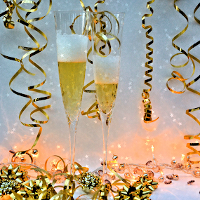 NYE by Heather Aplin - Public Holidays New Year's Eve ( sparkles, champagne, glass, bubbles, fizz,  )
