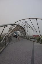 Photo: Un pont réservé aux piétons et vélos ! Singapour sait y faire !