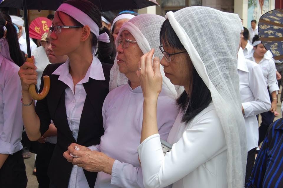 Lễ an táng ông cố Giacobe Đỗ Trí có đến 3 Đức Cha, hơn 300 linh mục - Ảnh minh hoạ 7