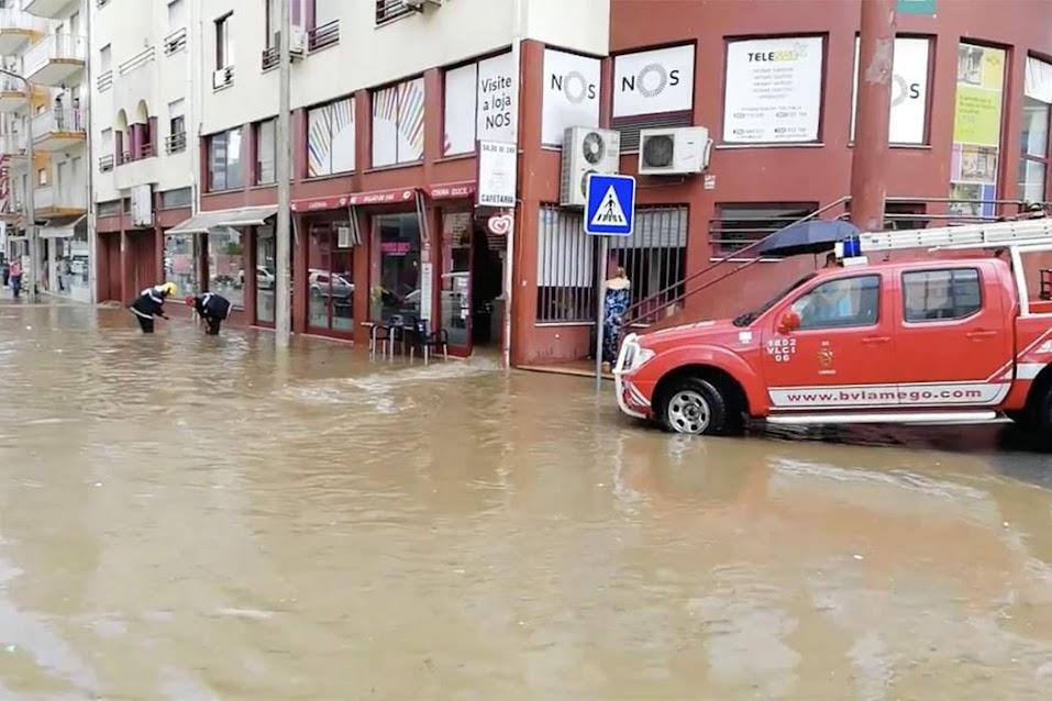 Queda de granizo provoca dezenas de inundações em Lamego