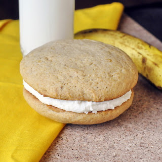 Honey Banana Cream Cheese Whoopie Pies