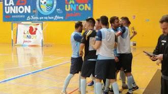 Los jugadores del CD El Ejido celebrando un gol.