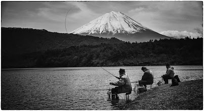 Photo: Three Fisherman near Mount Fuji  Here's another photo from yesterday. It was very peaceful down on the lake...