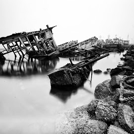 Wrecked ship by Agus Heriyanto - Black & White Landscapes