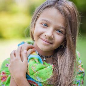 Suzana by Anna Anastasova - Babies & Children Child Portraits ( child, girl child, girl, beautiful, child portrait )