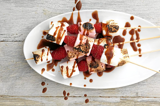 RECIPE   Marshmallow & raspberry kebabs with Bar One sauce