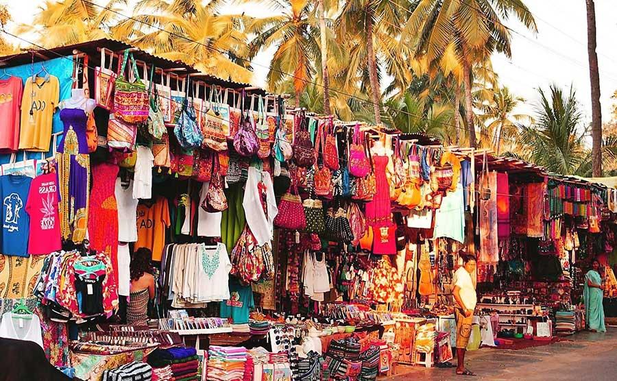 christmas-on-a-budget-goa_anjuna_flea_market_1