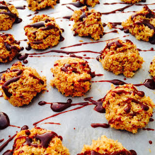 Healthy Coconut And Almond Macaroons.