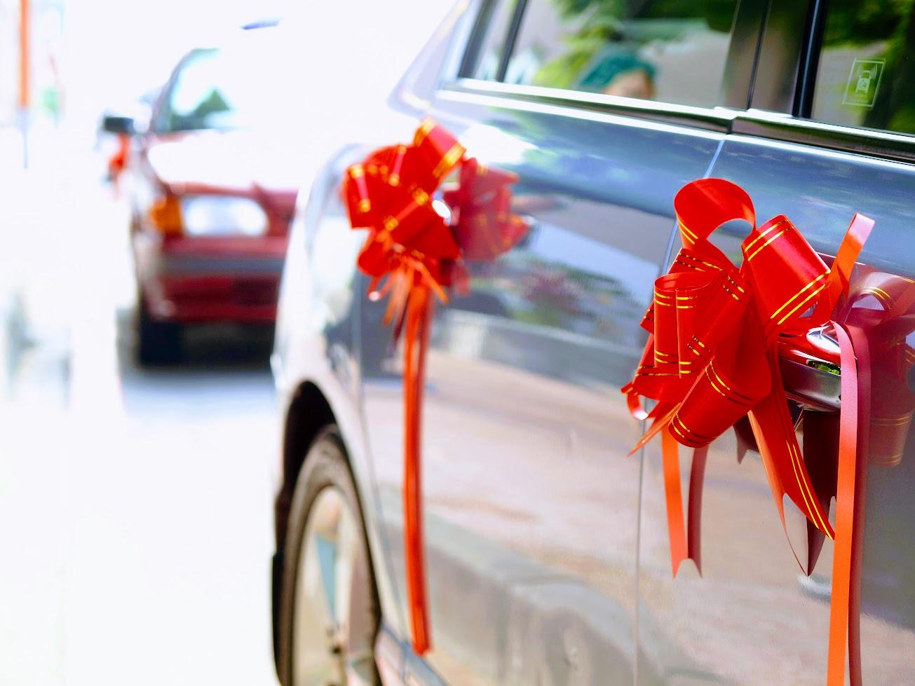 人生中的大事情,結婚當天,老戰友也風光地當著前導車!