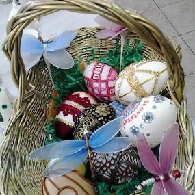 Easter eggs by Marija Čaušić - Public Holidays Easter ( eggs, tablecloth, wires, table, baskets )
