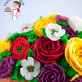The Best Stiff Buttercream Frosting Recipe for Piping Flowers.